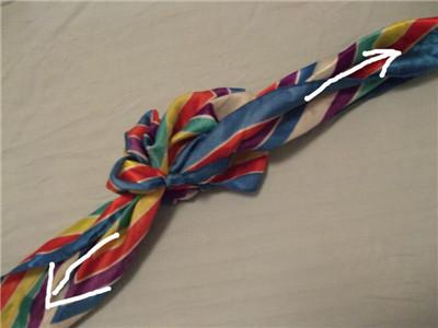 方巾和丝巾的系法图解 优雅空姐亲身示范